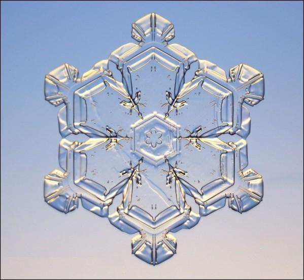 01e-CREA-EAU-snow_flake_01.jpg