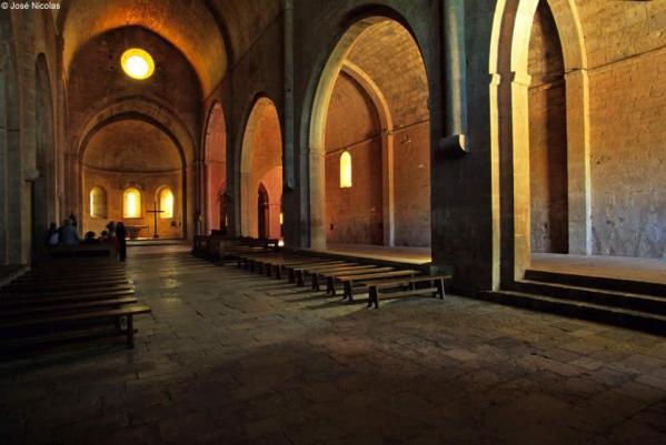02-abbaye-thoronet-eglise-abbatiale.jpg