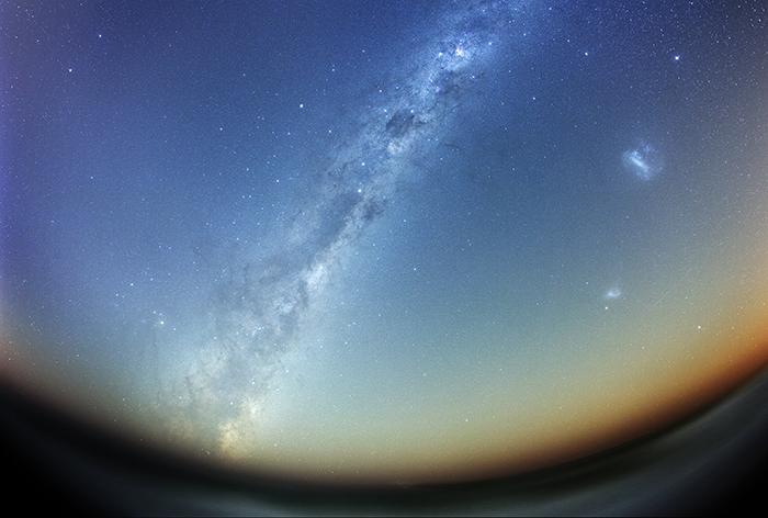 382402_mlechnyj-put_galaktika_magellanovy_5316x3587_(www.GdeFon.ru) copie.jpg